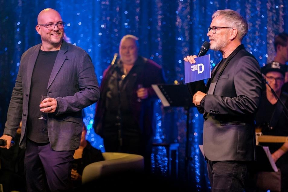 Olaf Becker (rechts) und Marten Ernst bei der Feier des fünften Geburtstags ihres Theaters.