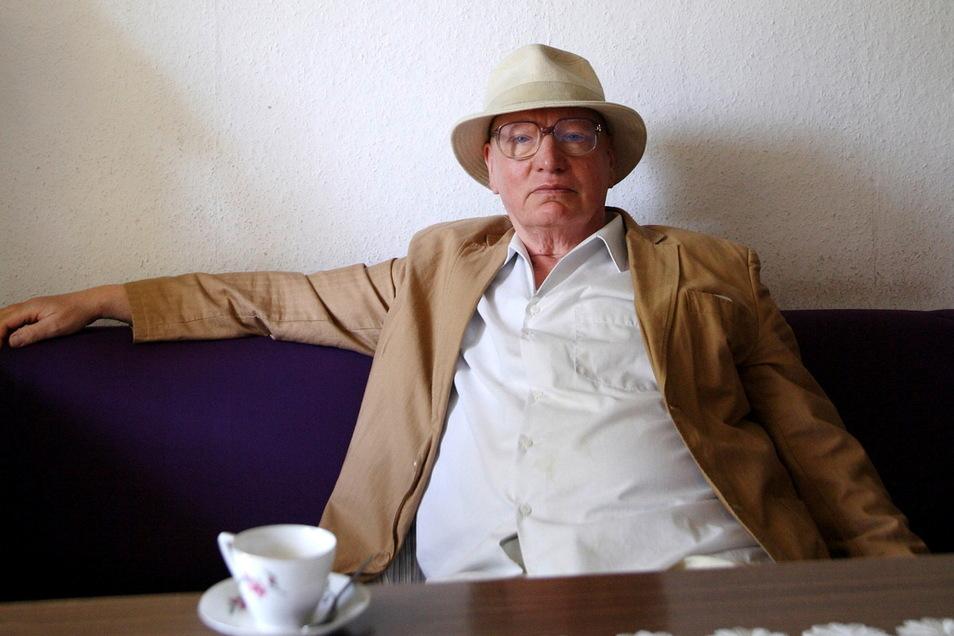 Dietmar Hommel gehört zu den renommiertesten Künstlern der Region. Seine Wassergemälde stellt der Maler aus Schwepnitz jetzt in der Kunsthalle in Pulsnitz aus.