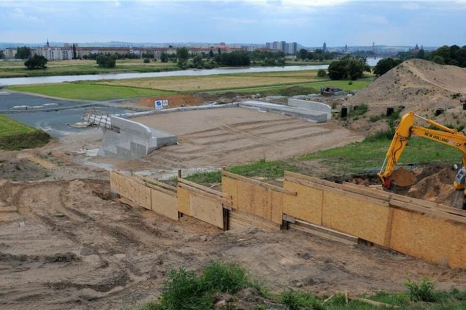 Aberkennung Weltkulturerbe im Juni 2009  So sah die Baustelle zum Zeitpunkt der Aberkennung aus.