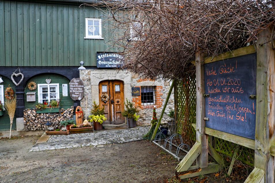 Das Gasthaus an der Spree ist seit Jahresbeginn geschlossen. Darauf weist auch ein Schild die Gäste hin.