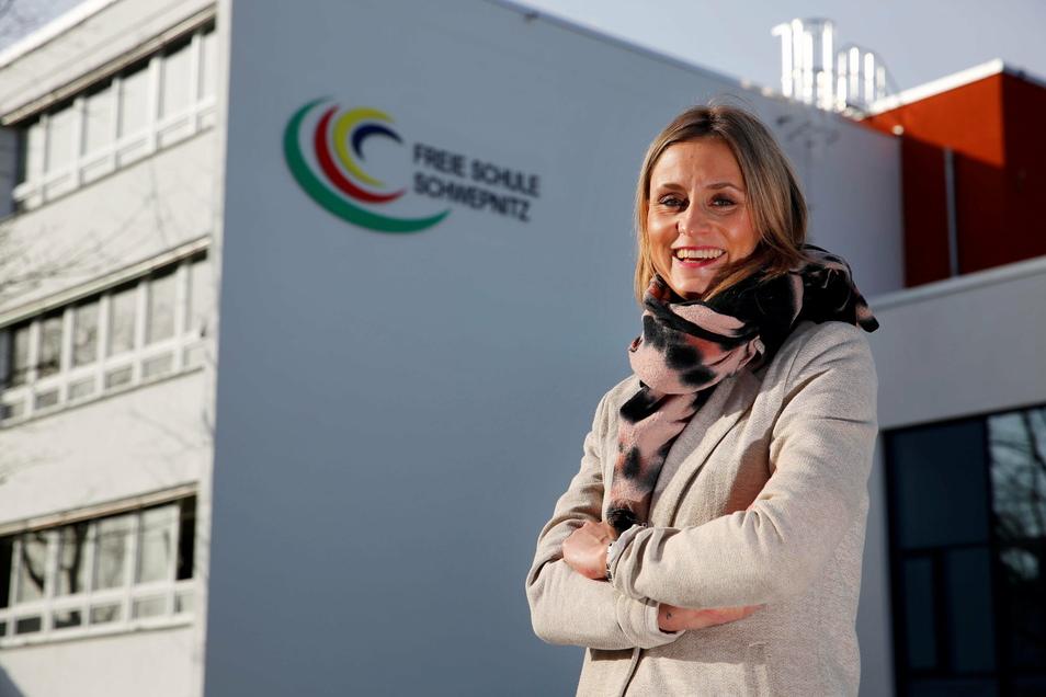 Felicitas Pritzsche leitet die Freie Schule in Schwepnitz. Sie ist stolz auf das Erreichte und hat noch jede Menge vor.