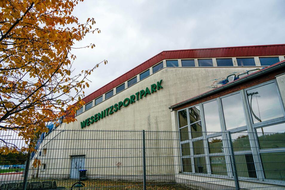 Die Turnhalle im Wesenitzsportpark in Bischofswerda wird sich außen und innen verändern, auch wenn bis dahin noch einige Zeit vergeht.