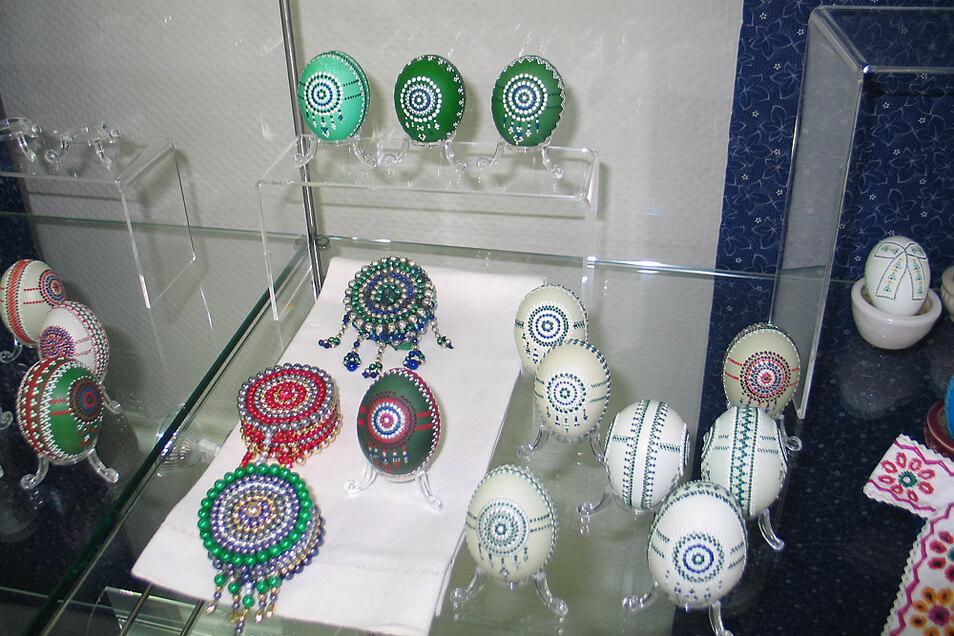 Auch die Schleifer Perlenkränze finden sich auf Ostereiern wieder.