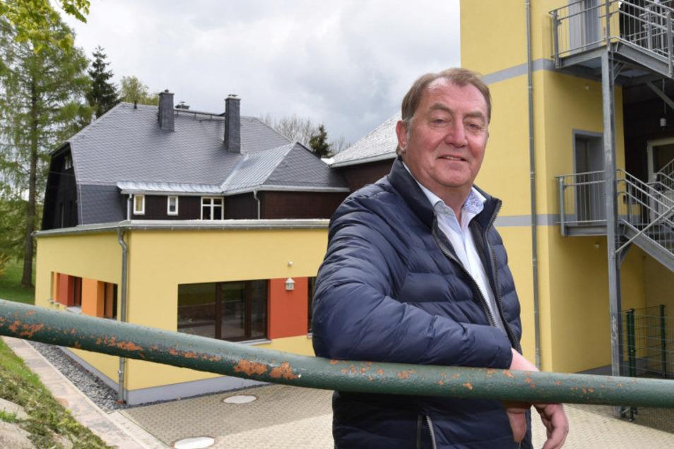 Andreas Liebscher, der Bürgermeister von Hermsdorf im Erzgebirge, ist genesen. Beim Skiurlaub in Tirol hatten er und seine Frau sich den Coronavirus eingefangen.