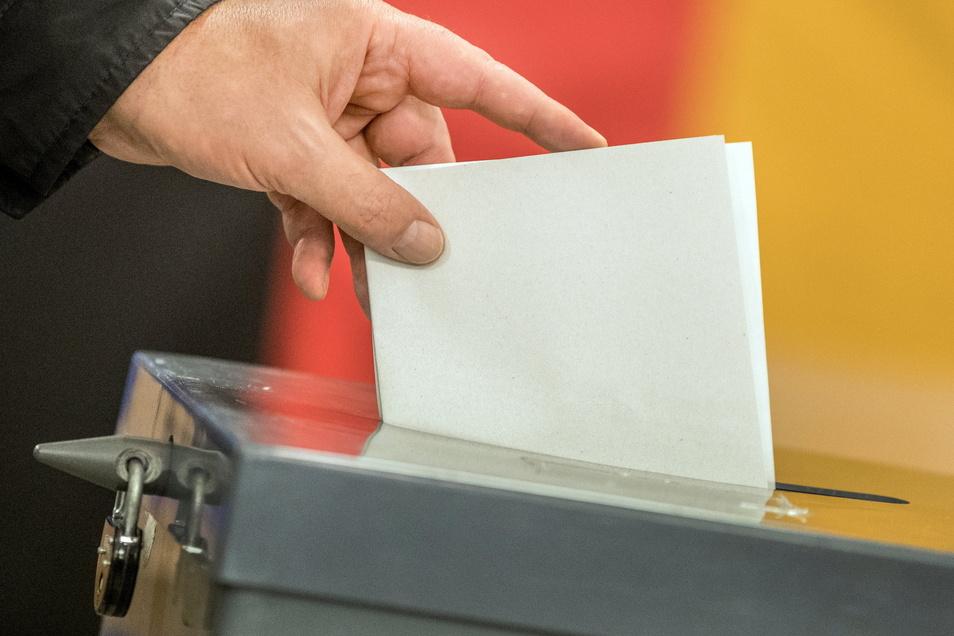 Mehr Wahlberechtigte denn ja geben in diesem Jahr ihre Stimme per Briefwahl ab. Dennoch gibt es auch die Möglichkeit zur Stimmabgabe im Wahllokal. Wie hat die Stadt Roßwein gewählt?