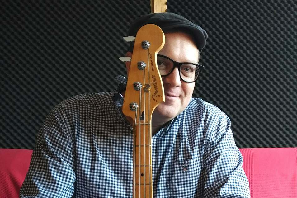 Der Dresdner Musiker und Produzent Karsten Dudek will mit einem berührenden Corona-Song auf die dramatischen Folgen des Lockdowns für die Künstlerszene aufmerksam machen.