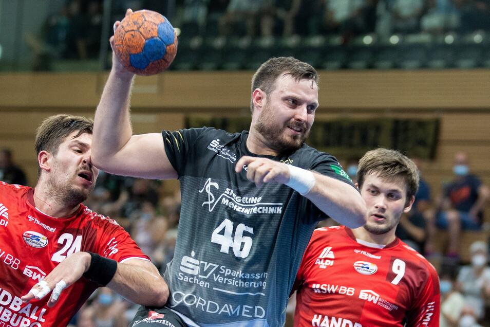 Für Jonas Thümmler (M.) war es am Sonntag das letzte Heimspiel im Trikot des HC Elbflorenz. Er verlässt die Dresdner nach der Saison.