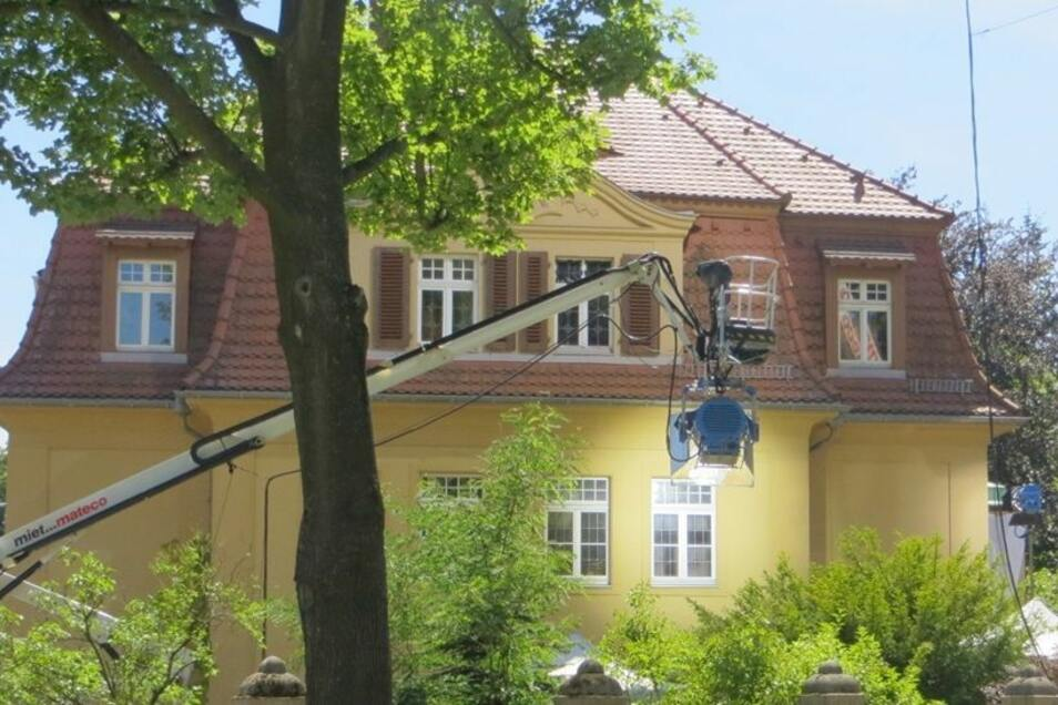 Zuvor hatte er mit seinem Team in der Villa auf der Holteistraße14 gedreht.