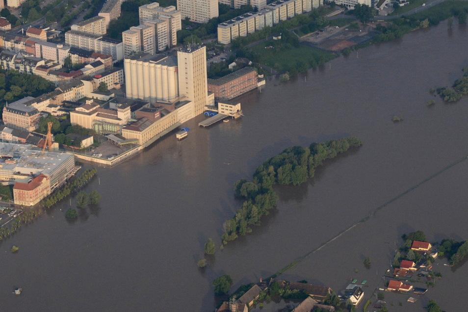 Ein Luftbild vom 7. Juni 2013. Das geplante Poliklinik-Gelände im oberen Bildbereich.