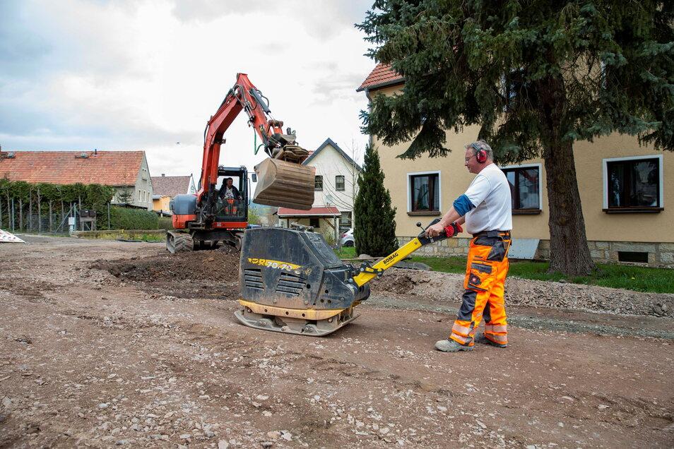 Dauerbaustelle Baumschulenstraße in Gombsen: Die Sanierung dauert fast drei Monate länger als geplant: