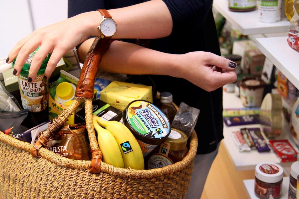 "Die Initiative ""Fairtrade"" fordert gerechte Arbeitsbedingungen entlang der gesamten Lieferkette."