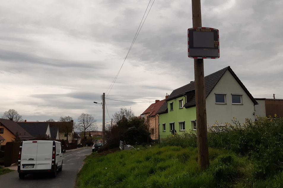 An der Straße Am Roten Kreuz in Döbeln wird derzeit die Geschwindig gemessen.
