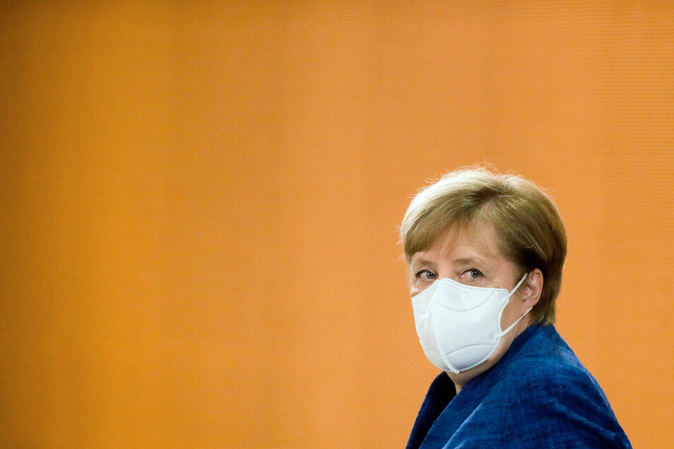 """""""So kann es nicht weitergehen"""". Am Montag berät Bundeskanzlerin Angela Merkel (CDU) erneut mit den zuständigen Bundesministern im Corona-Kabinett."""