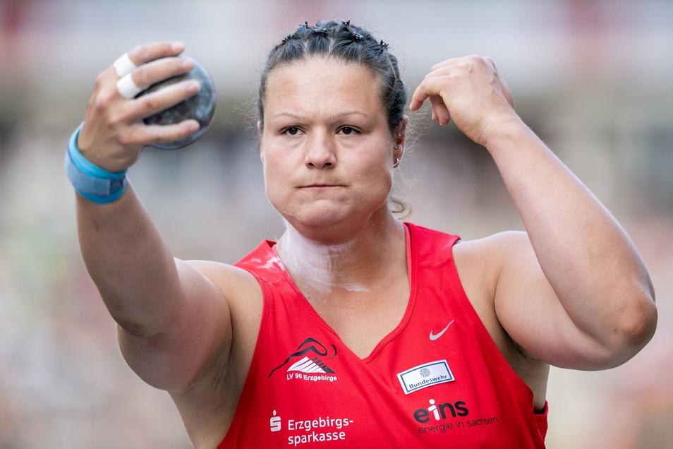 Hinsichtlich der erhofften Olympia-Medaille skeptisch: Kugelstoßerin Christina Schwanitz.
