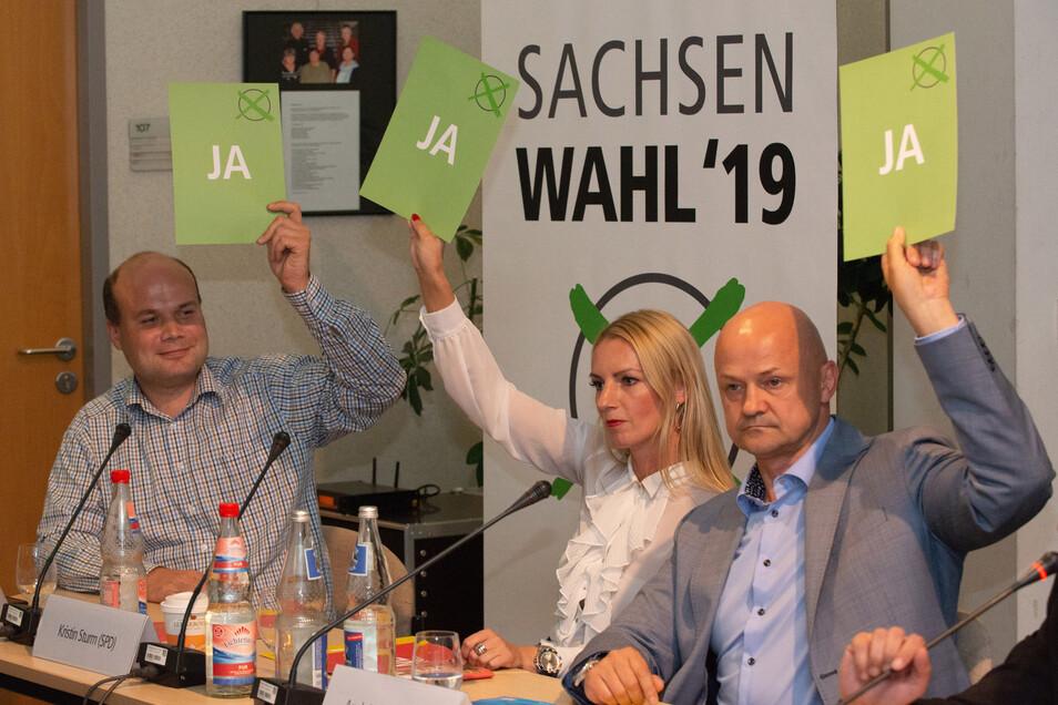 In einer Schnellfragerunde waren sich Andreas Mogwitz (FDP), Kristin Sturm (SPD) und André Wendt (AfD) einig.