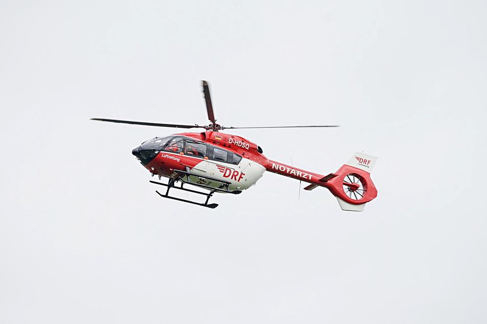 Nach einem Unfall zwischen Rodewitz und Kirschau wurde eine 17-Jährige mit dem Rettungshubschrauber ins Krankenhaus gebracht.