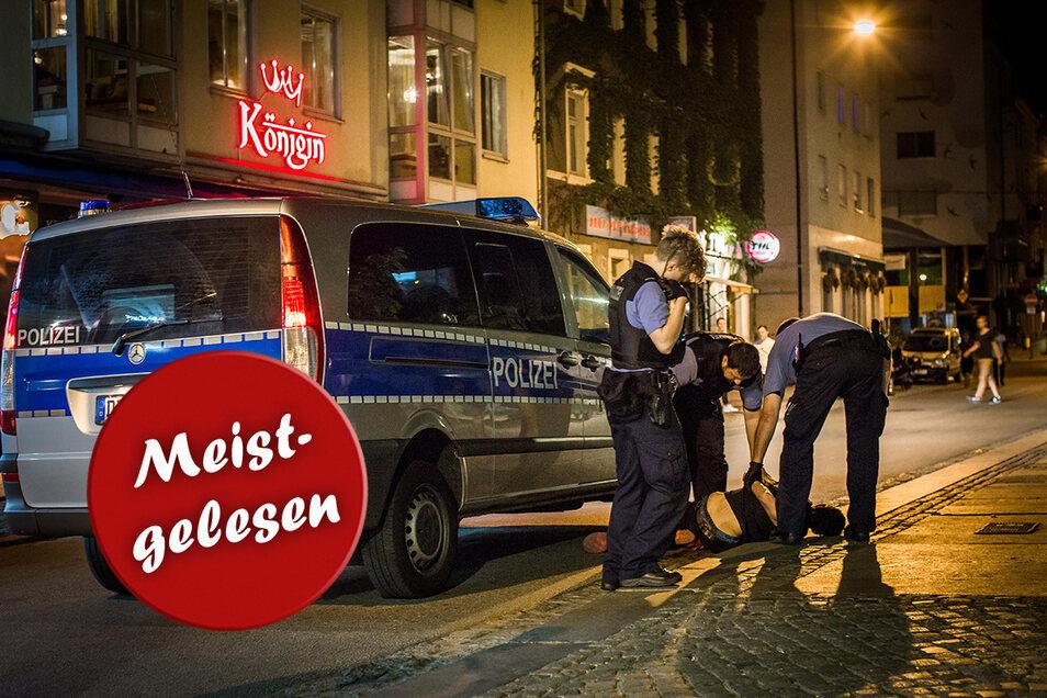 Polizeieinsatz in der Alaunstraße. Die gute Nachricht: Die Dresdner fühlen sich in ihrer Stadt generell sicherer als noch vor drei Jahren. Mit manchen Orten hadern sie aber nach wie vor.