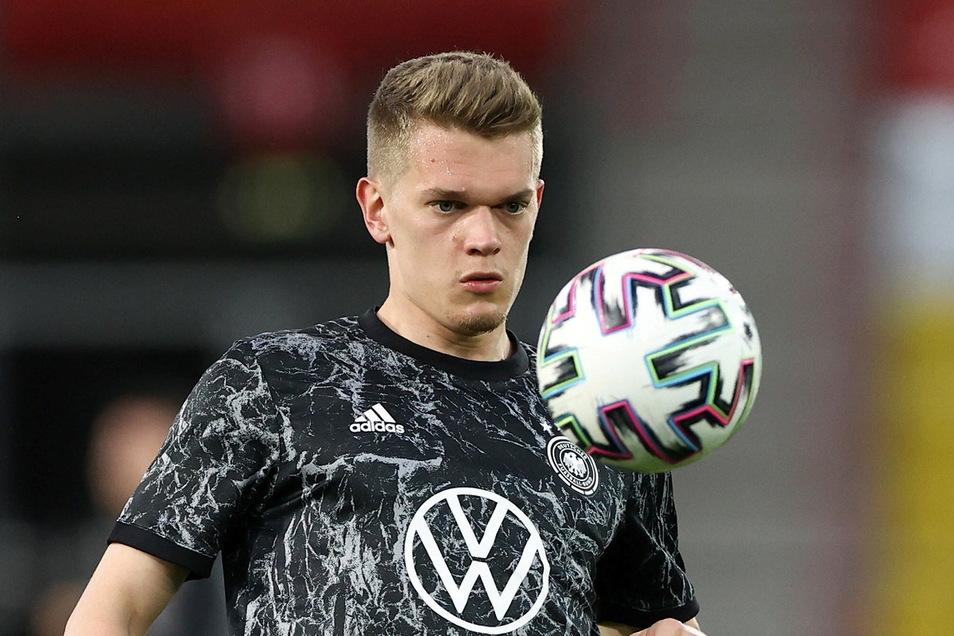 4 Matthias Ginter   Geboren: 19.01.1994   Verein: Borussia Mönchengladbach   Länderspiele: 42   Tore: 2   Schon lange dabei, am meisten unterschätzt: Bei der WM 2014 als jüngster Spieler (20) im Kader, damals noch ohne Einsatz.