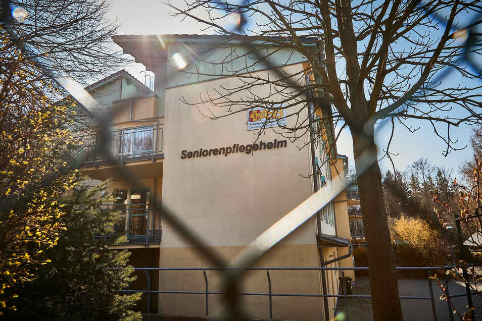 Das Pflegeheim des Arbeiter-Samariter-Bundes in Hohnstein in der Sächsischen Schweiz verzeichnete bislang 16 Infektionen und einen Todesfall.