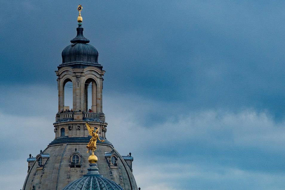 Die Evangelische Landeskirche als größte Kirche Sachsen hat im vergangenen Jahr 13.500 Mitglieder eingebüßt. Und auch die Katholiken verlieren Gläubige.