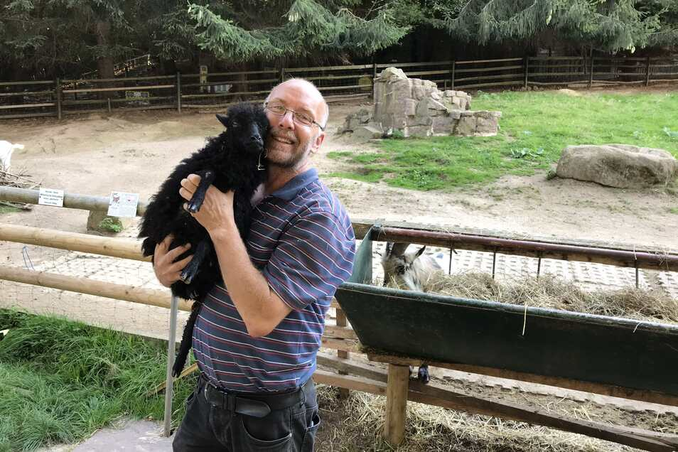 Heiko Drechsler liebt seine Tiere aus vollem Herzen und hat zu jedem eine Geschichte zu erzählen.