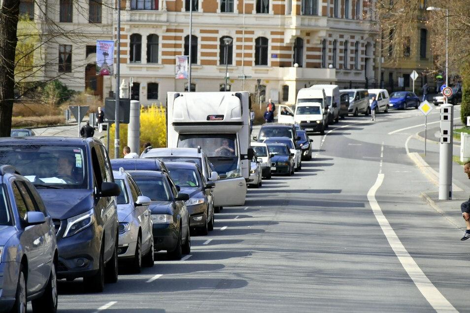 In der Görlitzer Innenstadt staute sich am Wochenende wieder der Verkehr Richtung Grenze.