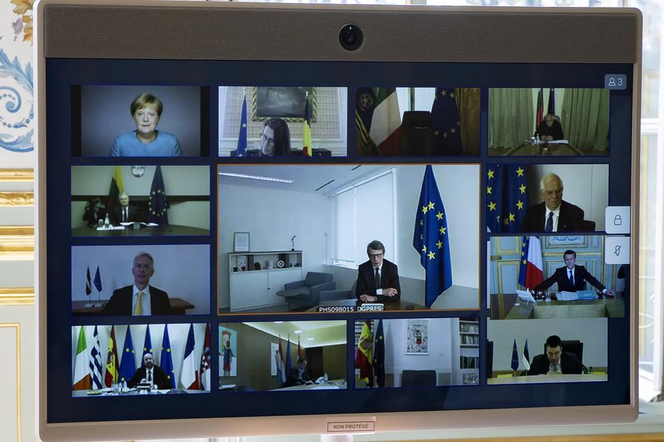 Bundeskanzlerin Angela Merkel hatte in den vergangenen zwei Wochen von zu Hause aus gearbeitet und dabei unter anderem mit anderen europäische Staats- und Regierungschef eine Videokonferenz abgehalten.