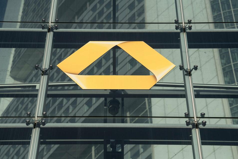 Bei der Commerzbank sollen rund 10.000 Vollzeitstellen gestrichen werden.