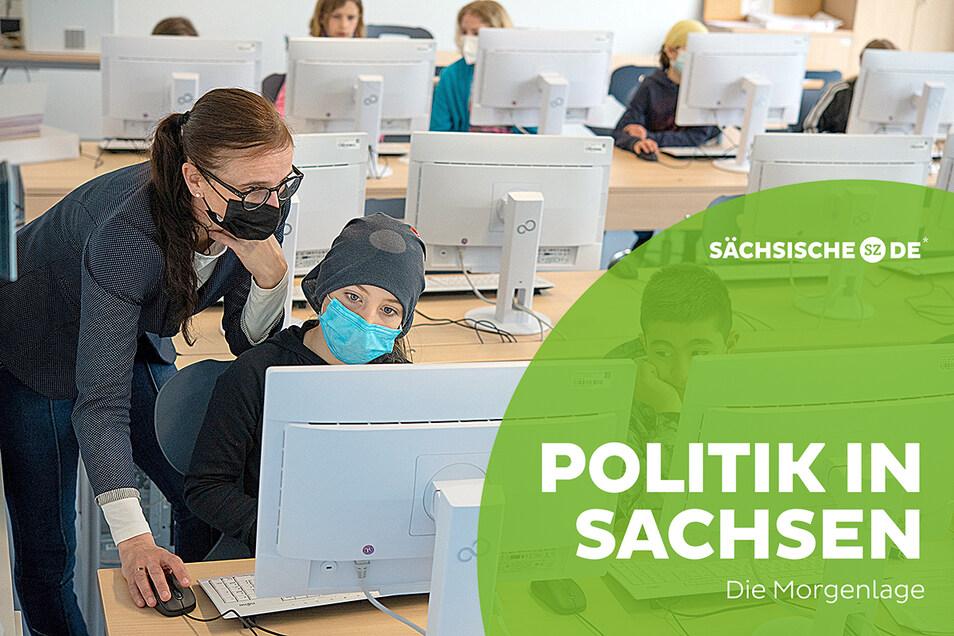 In einigen Regionen Sachsens läuft der Schulunterricht derzeit noch - allerdings unter verschärften Hygienebedingungen.