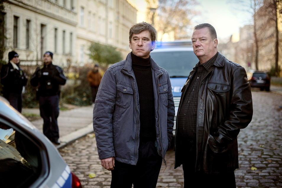 """Neu: Kommissar Lehmann (Peter Schneider, l.) und Hauptkommissar Koitzsch (Peter Kurth). In den bislang 390 Folgen des """"Polizeirufs"""" gingen seit 1971 über 100 Ermittler auf Verbrecherjagd"""