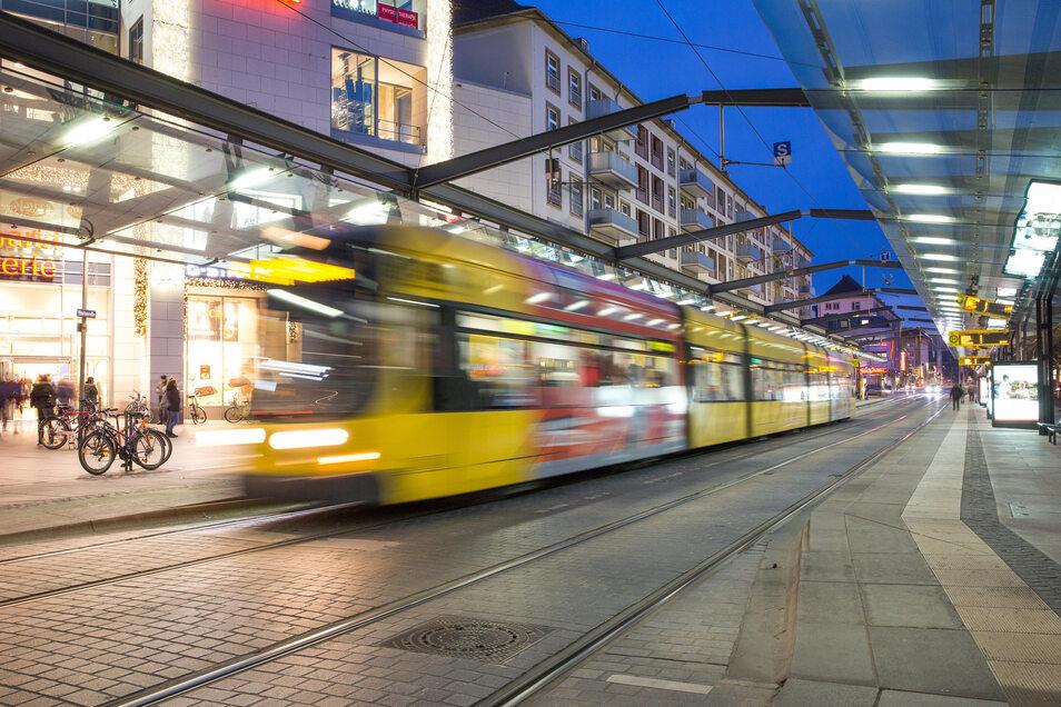 Übergang zum nächtlichen Regionalverkehr besteht unter anderem am Dresdner Postplatz.