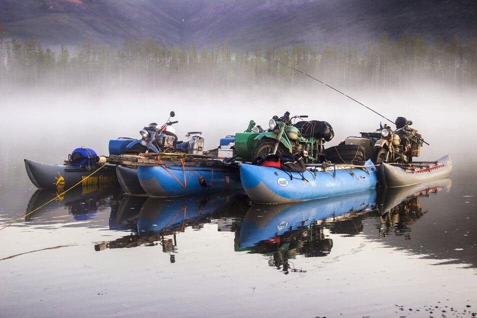 Die Boote mussten auf dem Weg durch Sibirien einige Male aufgebaut werden.
