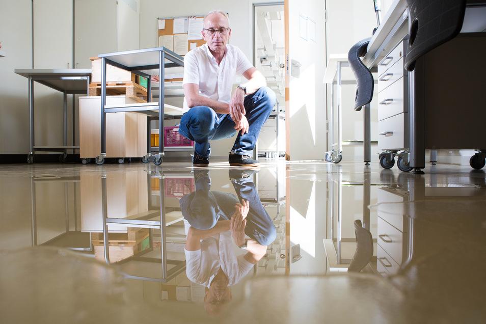 Ein Wasserschaden legte 2016 das Gymnasium Bürgerwiese von Schulleiter Jens Reichel lahm.