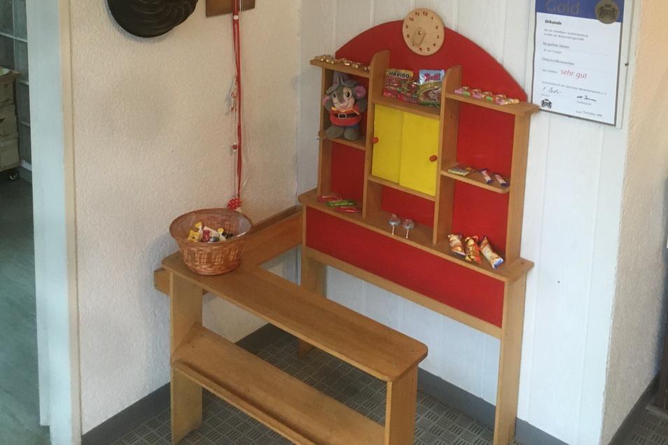 Auch eine kleine Kinder-Ecke ist im Laden eingerichtet.