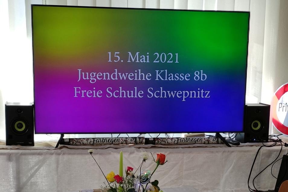 Die Schüler der Klasse 8 b der Freien Schule Schwepnitz feierten am Sonnabend ihre Jugendweihe - digital.