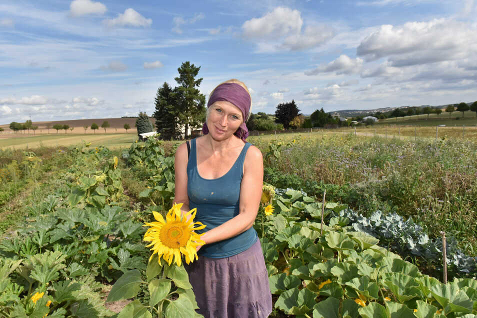 Mit Produkten vom eigenen Feld kocht Jana Grotheer für Schüler und andere Esser.