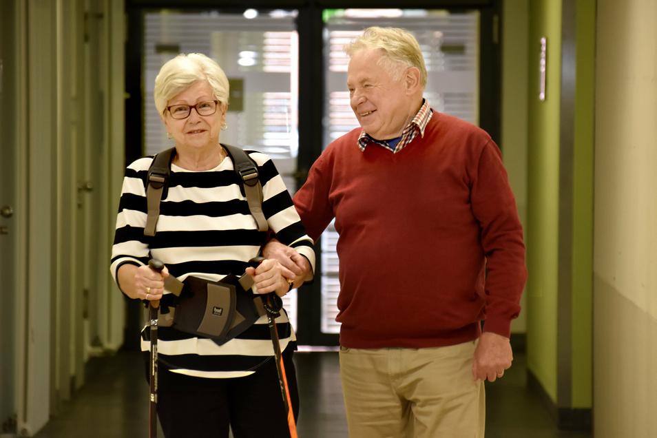 In guten wie in schlechten Zeiten: Brigitte Streckhardt und ihr Mann Peter meistern voller Kraft und Liebe die Herausforderungen, die die Krankheit ihnen abverlangt.
