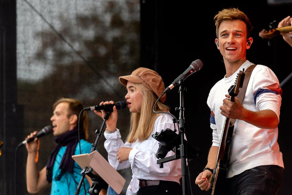 Die Band der Josua-Gemeinde sorgte für Live-Musik auf der Bühne.