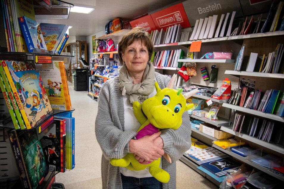 Neun Jahre hat Kathrin Heilfort die Schreib- und Spielewelt Lindner auf dem Roßweiner Markt geführt. Jetzt zieht sie wegen Corona die Reißleine.