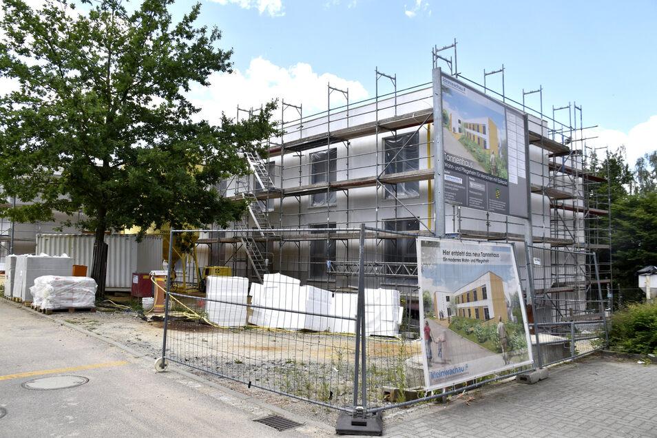 Das Tannenhaus im Epilepsiezentrum Kleinwachau soll im Oktober fertig werden. Für November ist der Einzug geplant.