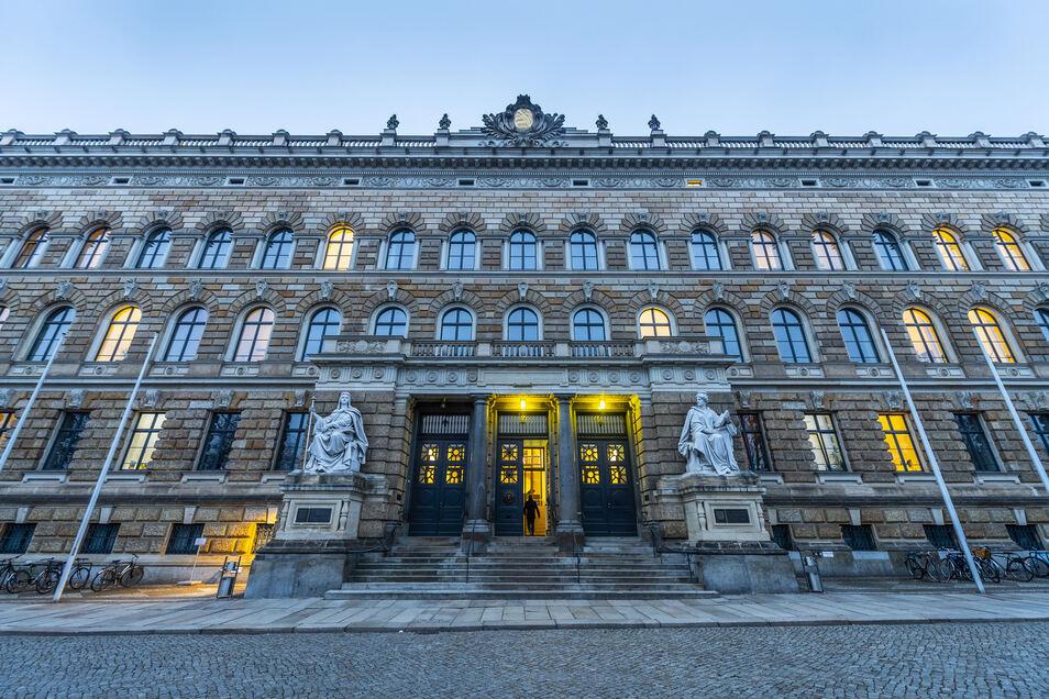 Blick auf das Landgericht in Dresden.