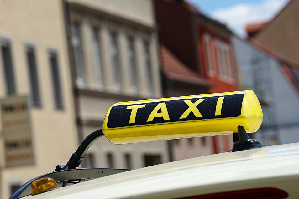 Ein Taxifahrer ist am Wochenende in Dresden ausgeraubt worden. Die Polizei denkt, den Täter gefasst zu haben.