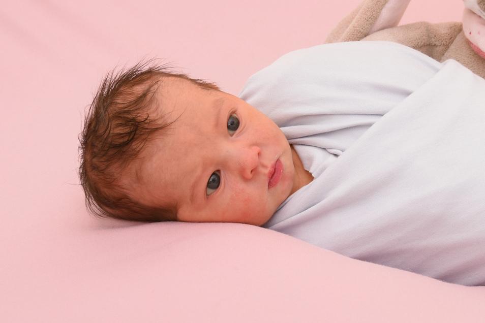 Melina Geboren am 4. Februar Geburtsort Kamenz Gewicht 3.070 Gramm Größe 49 Zentimeter Eltern Anja und David Stanke Wohnort Hauswalde