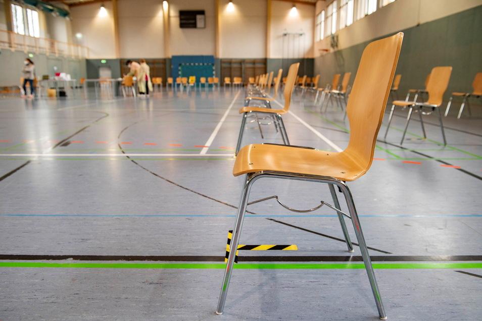 Die Mehrzweckhalle erfüllt schon wegen ihrer Größe die Voraussetzungen für den ordnungsmäßen Ablauf des Test-Szenarios.