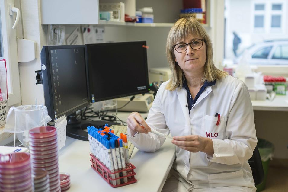 Claudia Friedrichs ist Infektionsepidemiologin und leitet das Medizinische Labor Ostsachsen in Görlitz. Hier wurden 3.000 Proben von der A4-Teststation untersucht.