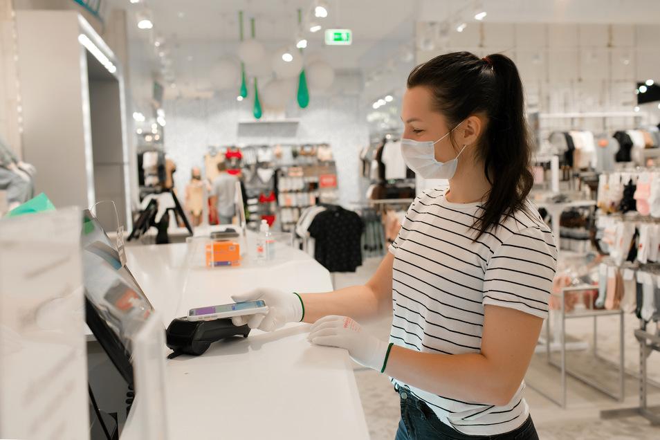 Wer sich nicht in die Innenstädte und Einkaufsstraßen traut, für den ist online einkaufen eine gute Alternative. Aber bitte regional!