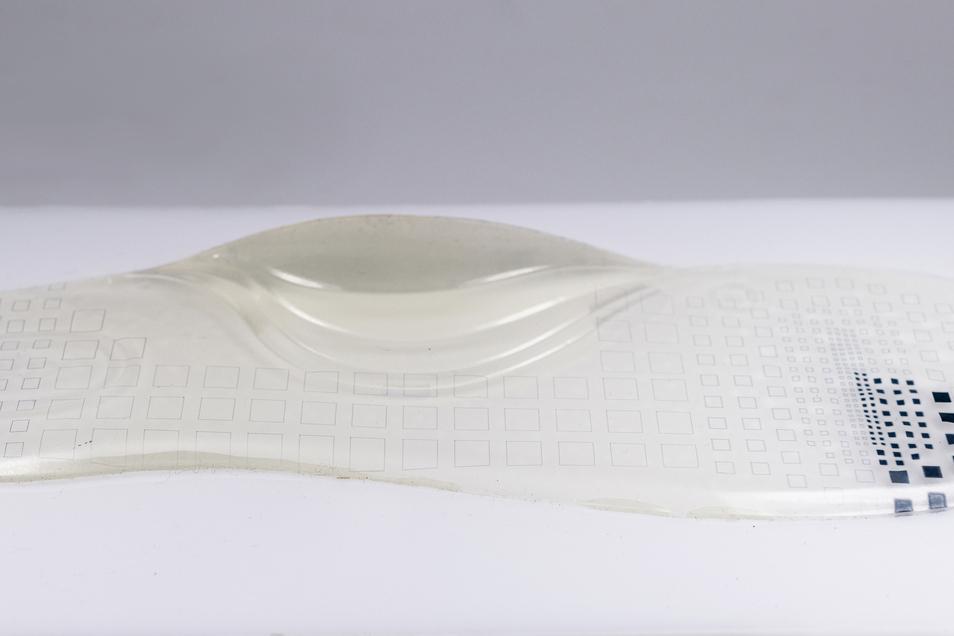 Piezosensoren sollen in Schuheinlagen eingedruckt dabei helfen, die Gewichtsverteilung zu analysieren. Das kann dabei helfen, Haltungsschäden vorzubeugen.