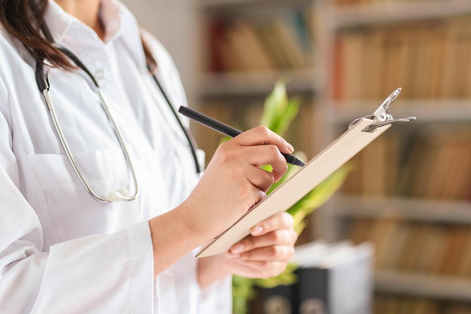 Krank durch den Job? Nur ein Teil der gemeldeten Fälle werden auch tatsächlich als Berufskrankheit bestätigt.