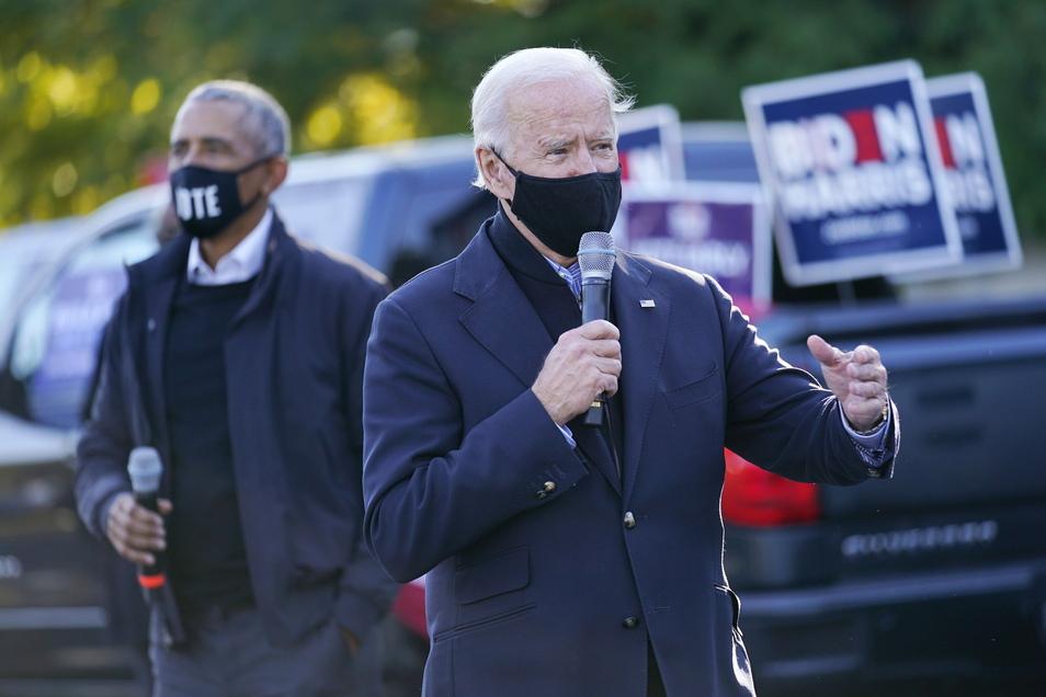 Joe Biden (r) und Barack Obama bei einer Wahlkampfveranstaltung. Die Wahl Bidens ist für Obama der Beleg, dass Amerika den Blick wieder nach vorn richtet.
