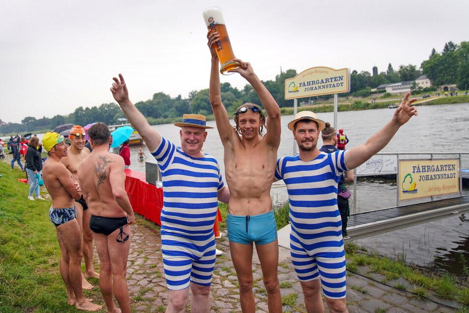 Retro-Badeanzüge zum Beispiel.